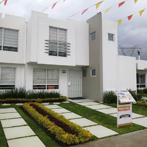 Amplia casa de 3 recamaras 2 baños completos en privada