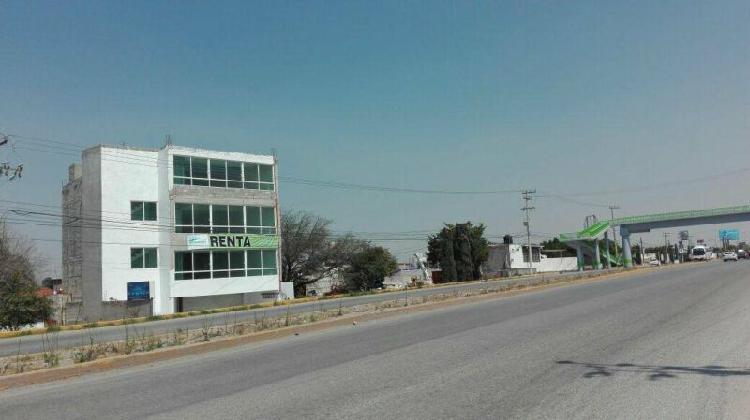 Amplias oficinas en tula de allende en corredor industrial