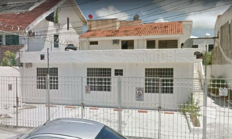 Dos edificios en Venta en Cancun SM 44 Av. Andres Q. Roo