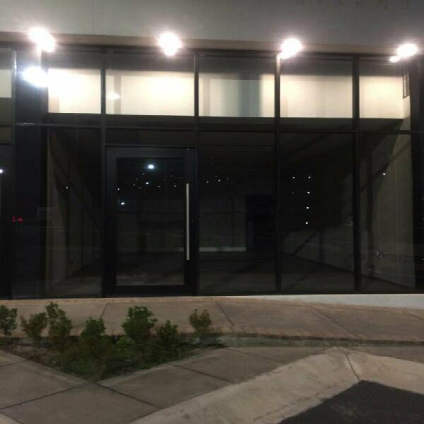 Renta local comercial monterrey zona sur 66 m2