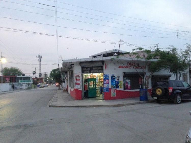 Casa/negocio en venta en esquina fracc. azteca