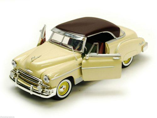 Motor max 1:24 - 1950 chevrolet bel air coupe beige/borgoña