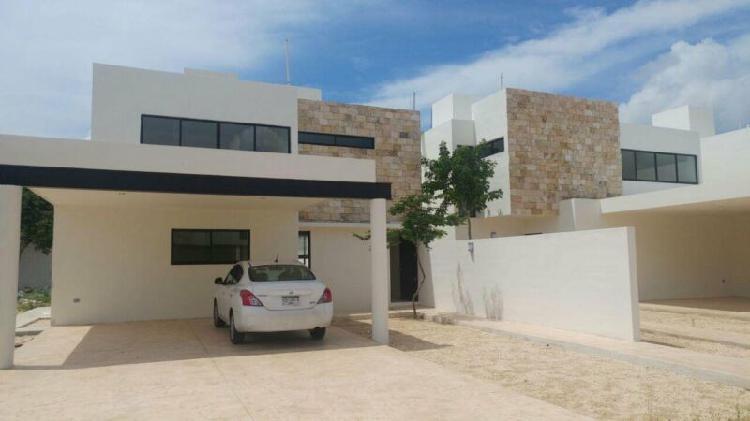 Residencia en venta Privada Abedules Merida Norte Modelo S
