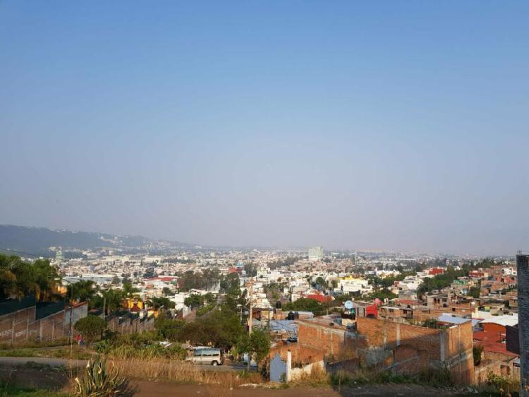 VENTA DE TERRENO EN EL PUNHUATO CÉNTRICO CON VISTA