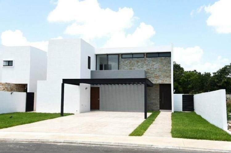 Casa en venta privada jardines de la rejoyada mérida