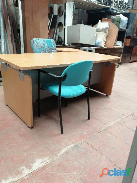 Compro lotes de muebles de oficina usados y estantería
