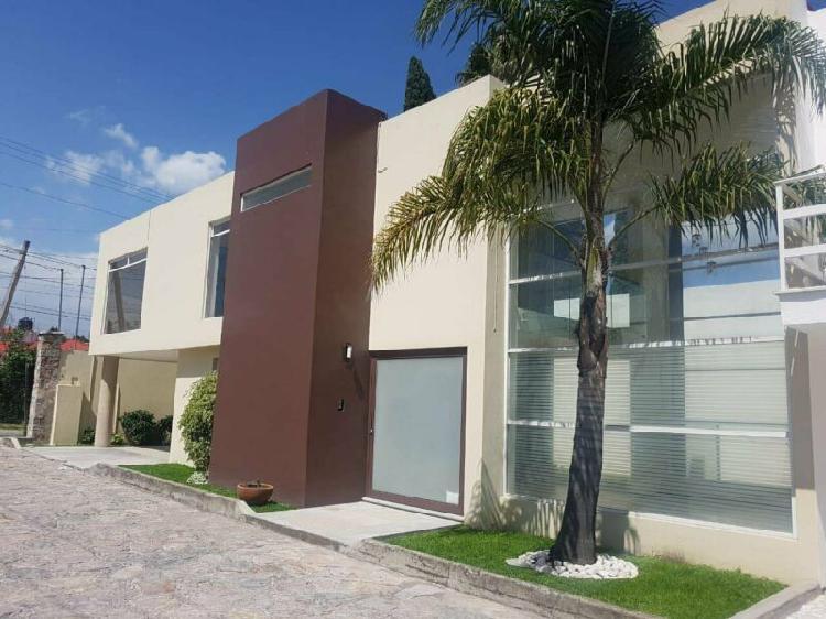 Renta casa en conjunto cerrado lateral recta cholula 3