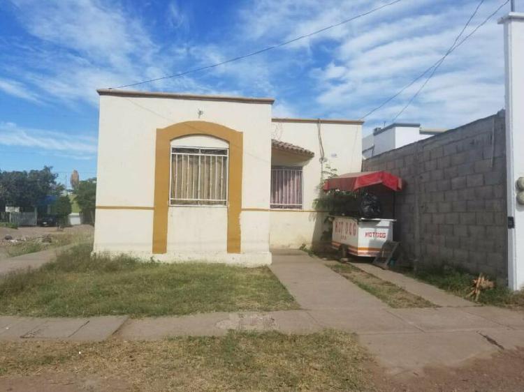 Casa en la zona sur en san benito, sector mercado de abastos