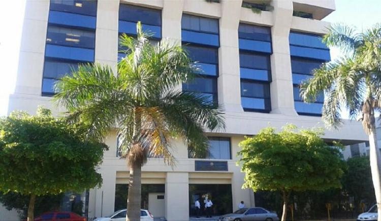 Edificio para oficinas en el malecón