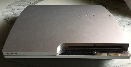 Excelente consola ps3 slim plateada con accesorios y juegos!