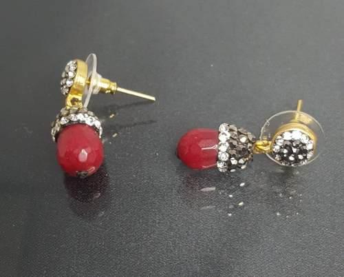 e534074c06ad México. Aretes oro laminado turco con granate y cristales