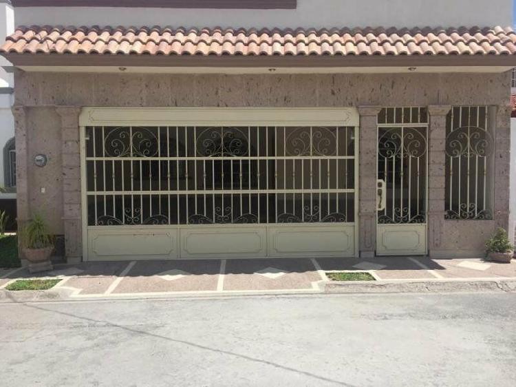 Casa en venta en nueva california