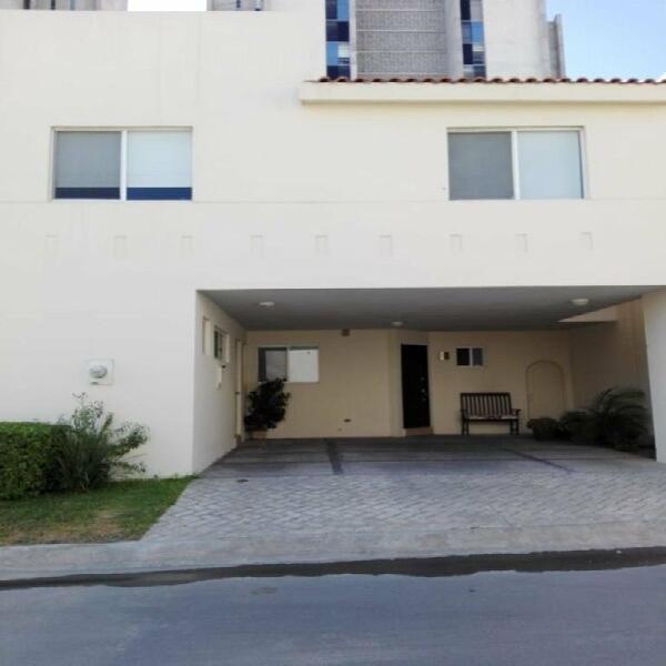 Casa en renta Ventanas de la Huasteca 27-CR-2890 En privada