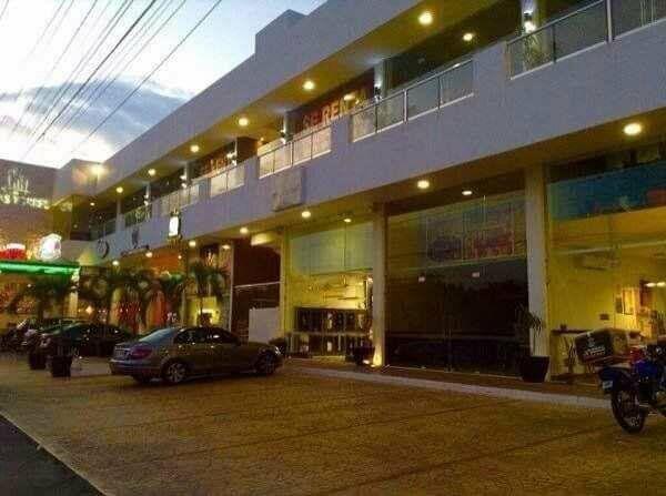 Renta espectacualr local comercial en plaza las torres de 55