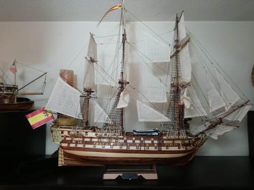 Barco de madera decorativo a escala de coleccion juan nepomu
