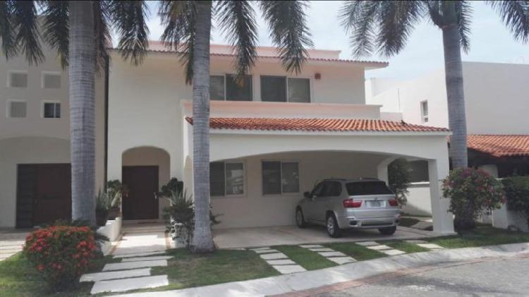 Casa super lujo en isla dorada zona hotelera de cancun