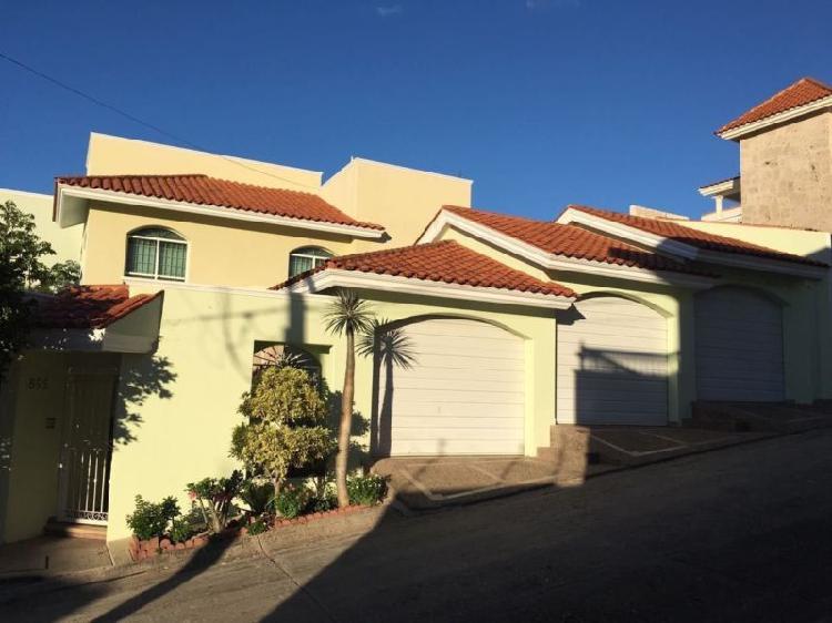 Excelente casa en venta en colinas de san miguel /