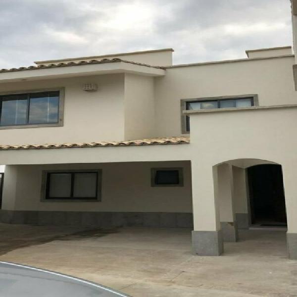 OPORTUNIDAD - Casa amueblada en RENTA - MAYORAZGO Cortes -