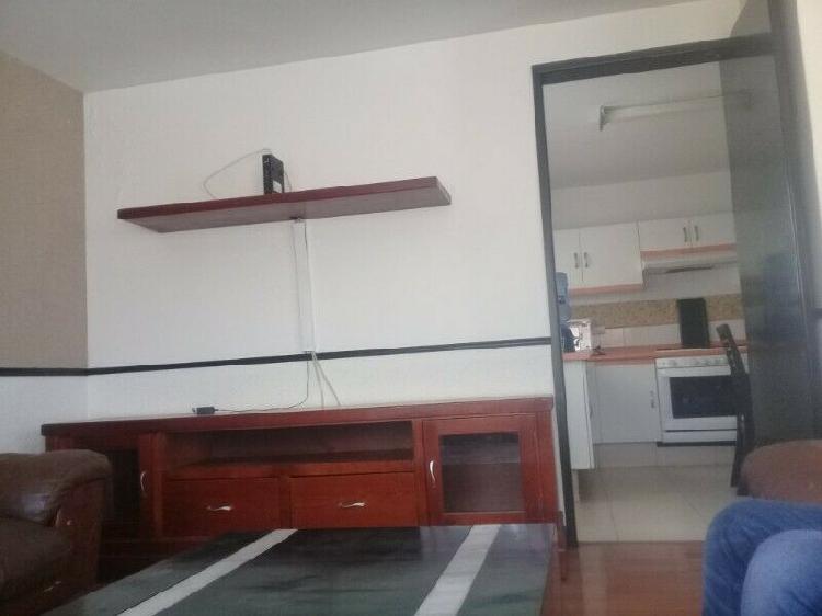 Casa amueblada en renta de 2 pisos con opción de cuarto de