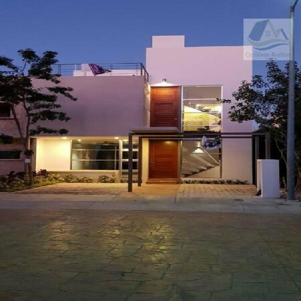 Casa en venta en arbolada cancún / house for sale in cancun
