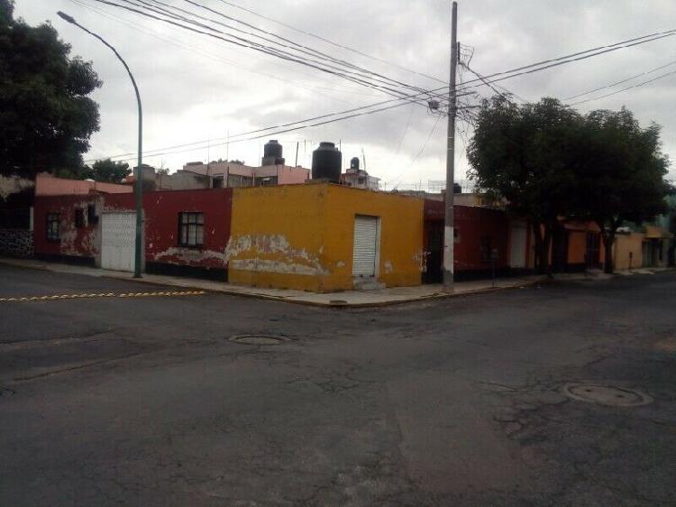 Casa para terreno comercial
