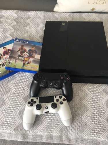 Playstation 4, juegos y controles