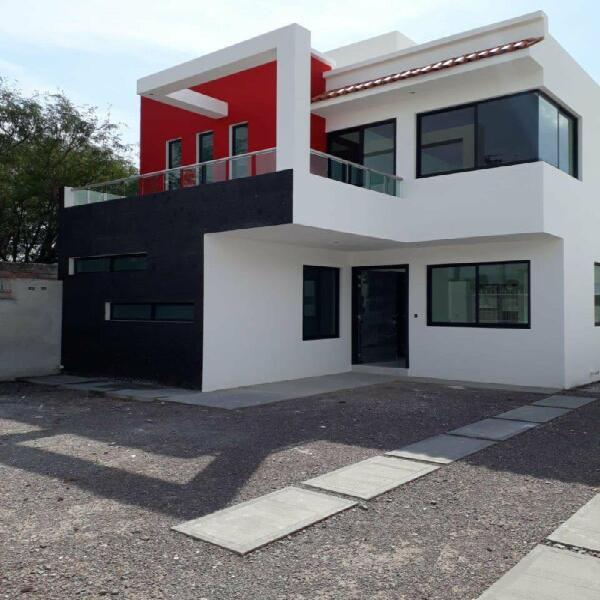 Casa nueva equipada en terrenazo de 280 mts