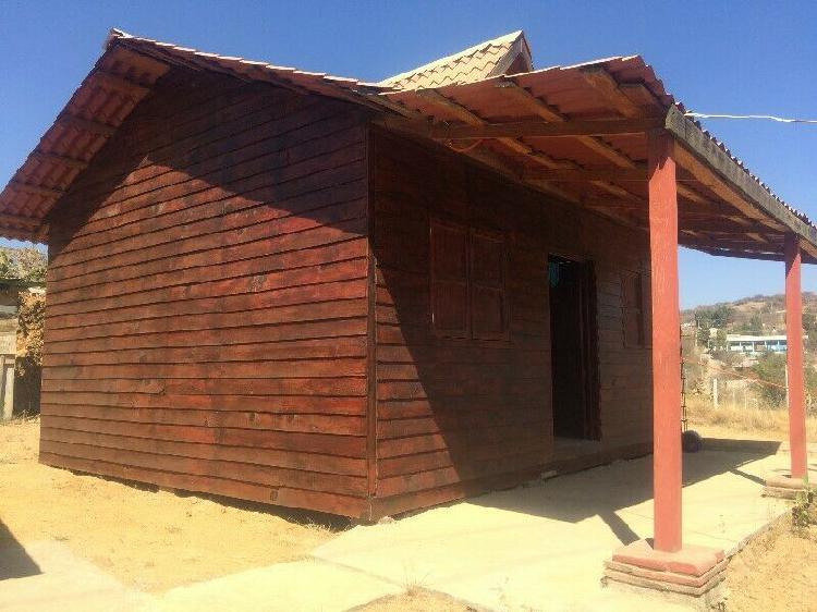 Linda casita de madera en lote de 200 mts² atrás de monte