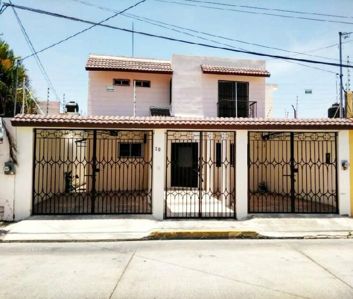 Renta casa de 4 recamaras en col miami en ciudad del carmen