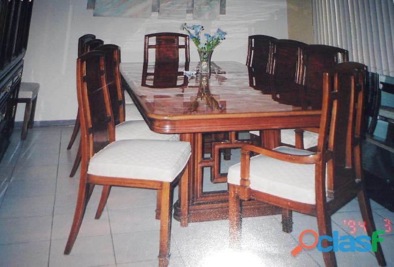 Muebles finos comedor, vitrina y bufetero caoba enchapado de raiz
