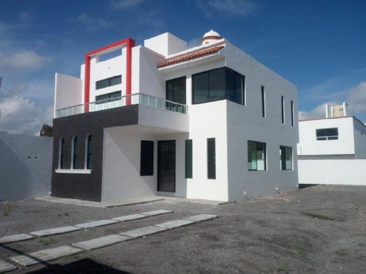 Casa equipada residencial nueva con 290 mts de terreno
