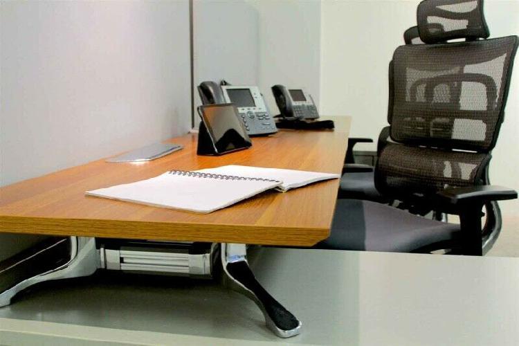 Renta de oficina para 10 con servicios incluidos.