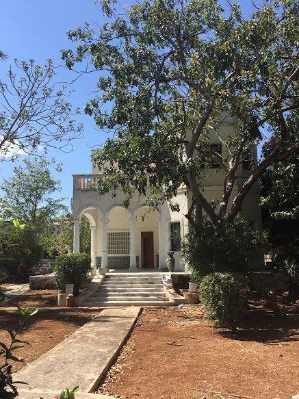 Casa con amplio terreno en la Pérez Ponce