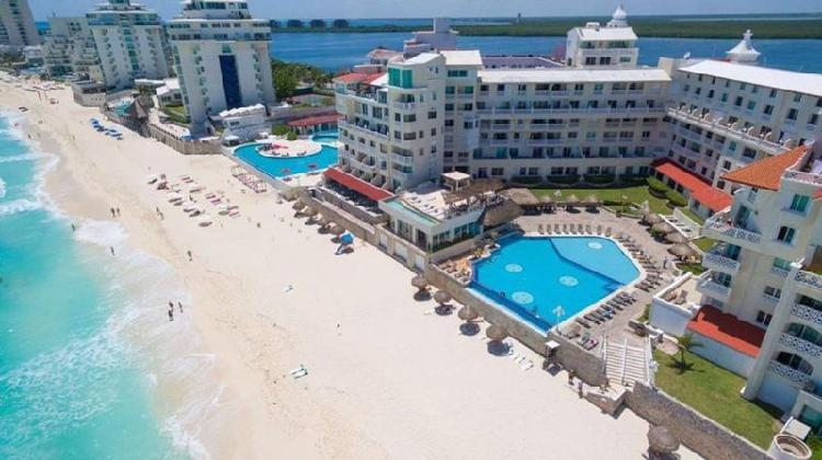 Inversión: estudio con vista al mar en condo-hotel cancun