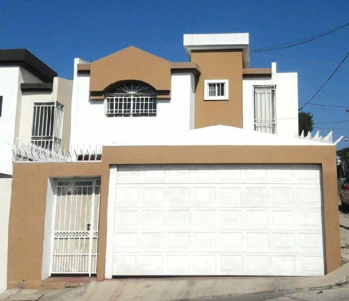 Casa en Venta en Colonia Ruiz Cortinez (La postal)