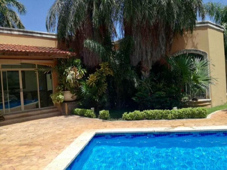 Casa tipo hacienda 4 recámaras, Norte de Mérida, Yucatán,