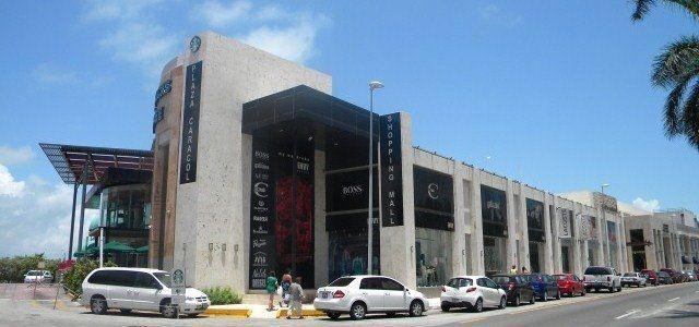 Plaza caracol. local comercial en renta no. 110. 60 m2. en