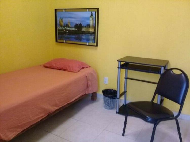 Rento habitación amueblada para varón