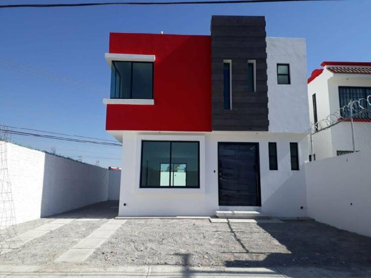 Casa equipada 3 recamaras 3 baños con opción a local en