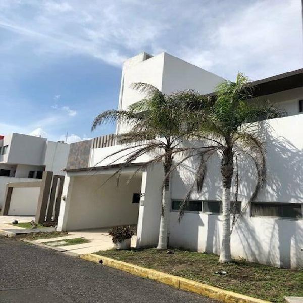 Playas del conchal,casa en venta,elevador, recamara pb y