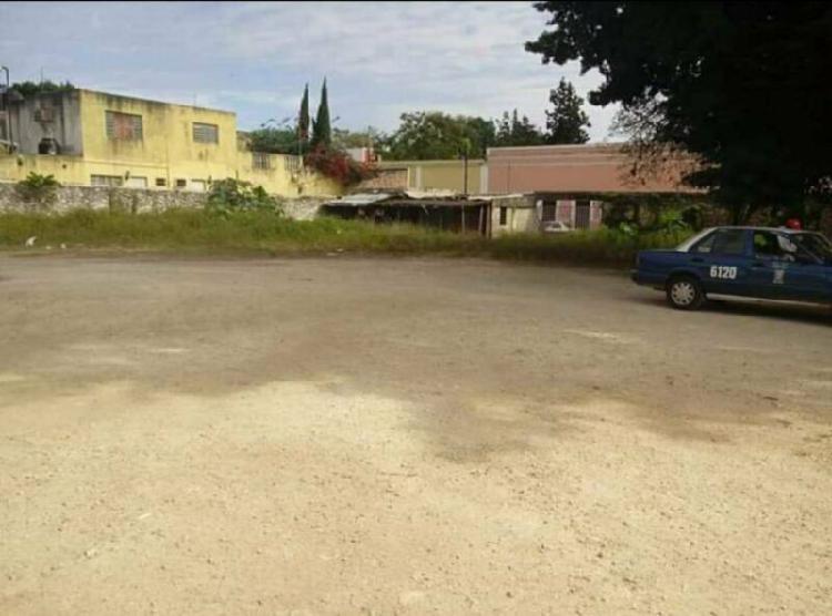 Se vende terreno en esquina, centro de valladolid, yucatán.