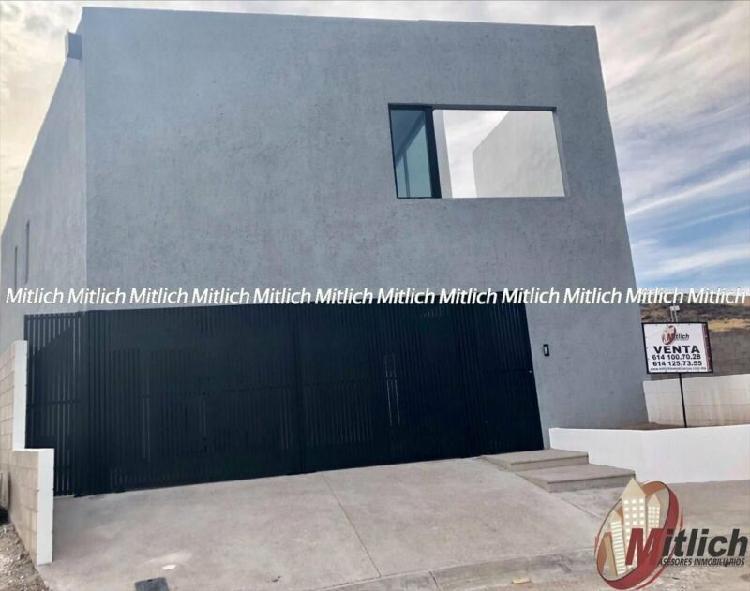 Casa en venta contemporánea en zona valle escondido