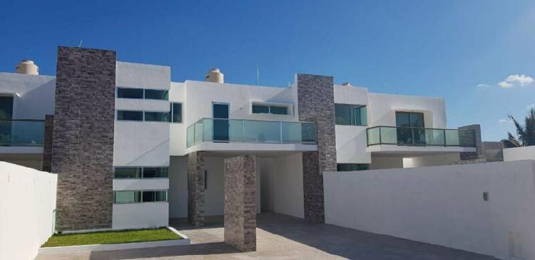 Casa en venta con 3 cuartos y espacios amplios en cholul.
