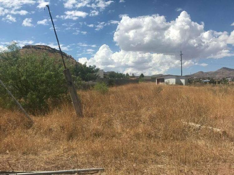 Se venda terreno en granjas universitarias $ 990,000.00