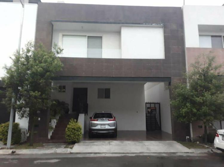 Casa en renta en cumbres madeira nuevo leon $18,000 3