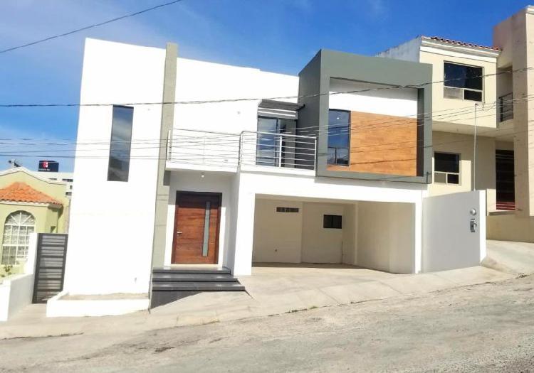 Casa en venta, bella casa en zona residencial muy cerca de