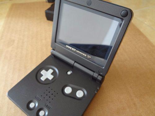 Gameboy advance sp 2 luz negro reacondicionado mica cristal