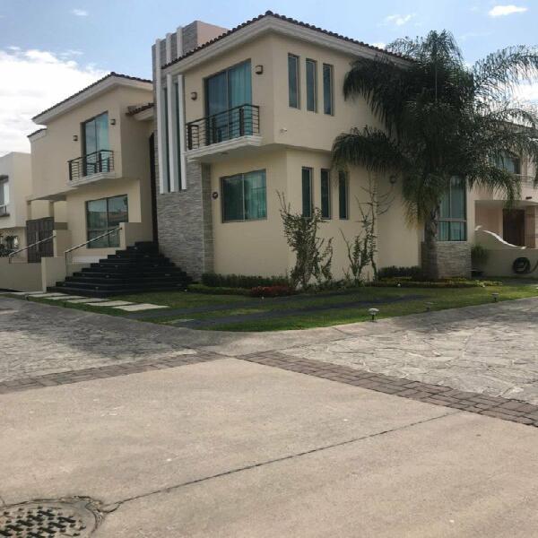 Casa amueblada en renta en jardin real
