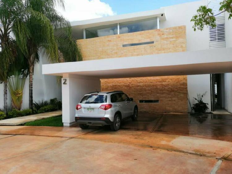 Casa en renta privada cocoyoles, amueblada, 4 recámaras una