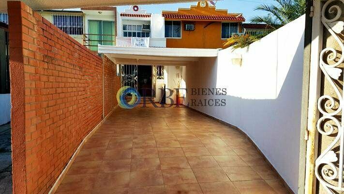 Casa en venta en fraccionamiento plaza villahermosa, cerca